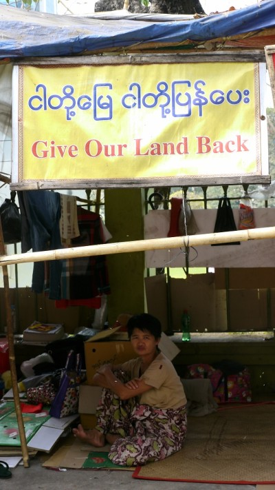 Landgrabbing Protest Site_klein
